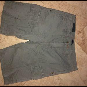 Tommy Bahama Men's Shorts Size 32